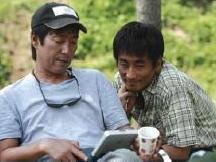 Kim Tae-kyun (regizorul, stanga) si Cha In-pyo (actorul principal)