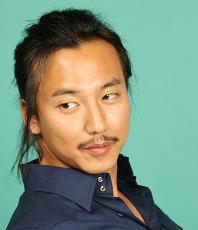 Kim Nam Gil isi incheie stagiul militar