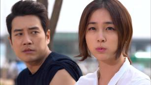 Sly and single again cunning single lady secventa 4