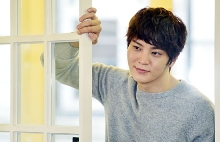 Joo Won va aparea in filmul coreean That Man That Guy