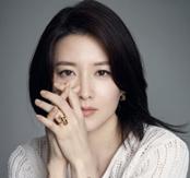 Lee Young-ae mama si actrita la 44 de ani